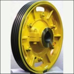 Traction sheave wheels with hub